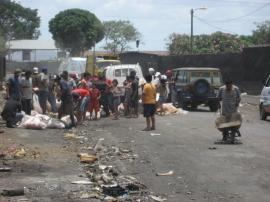 Managua_scavenging the meat load